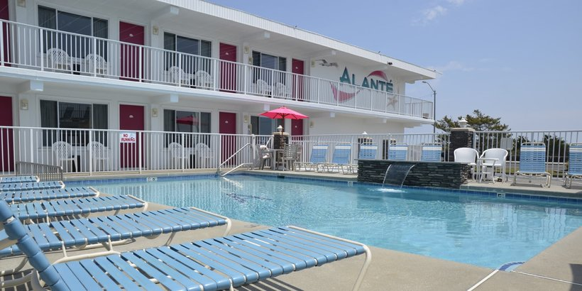 Alante Oceanfront Motel Pool