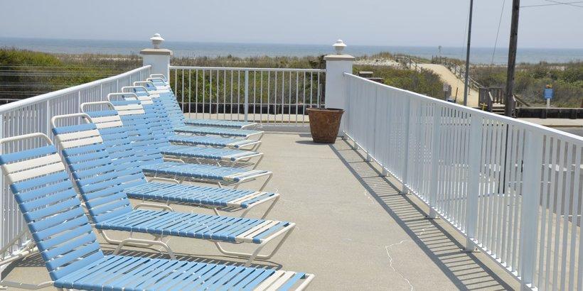 Alante Oceanfront Motel Sundeck